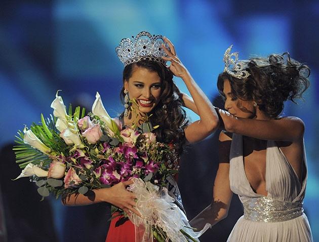 Stefanía Fernández coronada como MissUniverse 2009